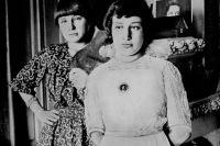 Марина и Анастасия Цветаевы.