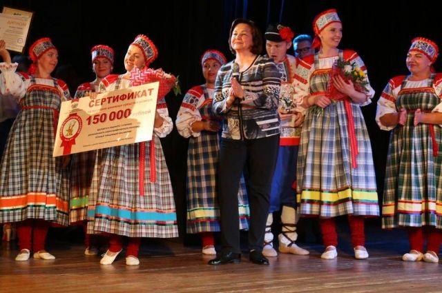 В Тюменской области выбрали детские сады с самыми танцующими коллективами