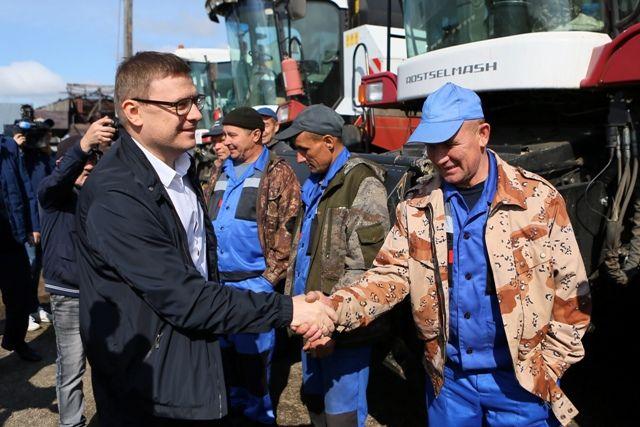 В местном хозяйстве в Карталинском районе Алексей Текслер убедился, что и одно предприятие может влиять на ситуацию в селе.
