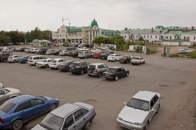 На улице Бударина в Омске запретили проезд и парковку