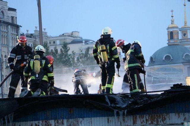 Пожар на Почтовой площади в Киеве: детали
