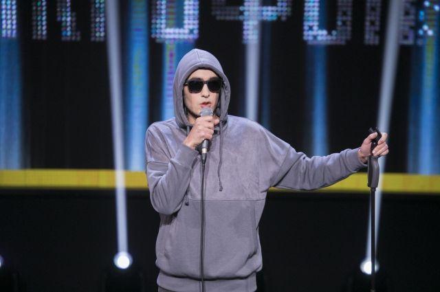 Красноярец выступает в жанре стенпдап три года, но на телевидение будет пробовать себя впервые.