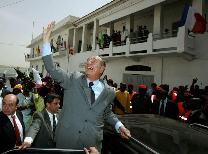 Жак Ширак в Сент-Луисе в во время своего трехдневного визита в Сенегал, 2005 год.