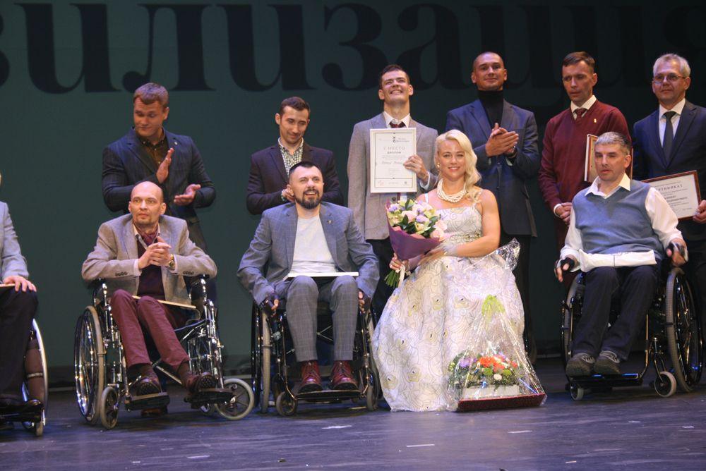 Красота «Мисс Мира» среди девушек на инвалидных колясках и сила духа участников конкурса «Мистер Цивилизация».
