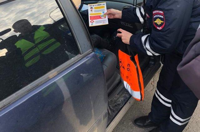 Шесть нарушений правил перевозки детей выявили в Тюмени утром