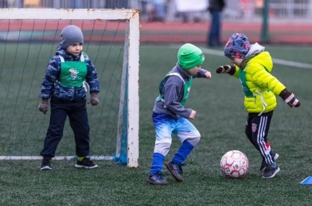 Эти юные футболисты могут со временем стать прославленными чемпионами