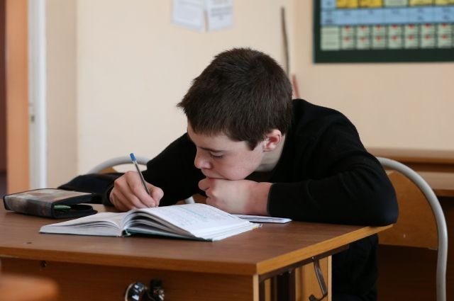 Где найти время на китайский, когда ученик и так завален школьными дисциплинами?