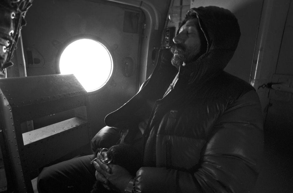 Руководитель высокоширотной экспедиции на атомном ледоколе «Сибирь» Артур Чилингаров в минуты отдыха, 1987 год.