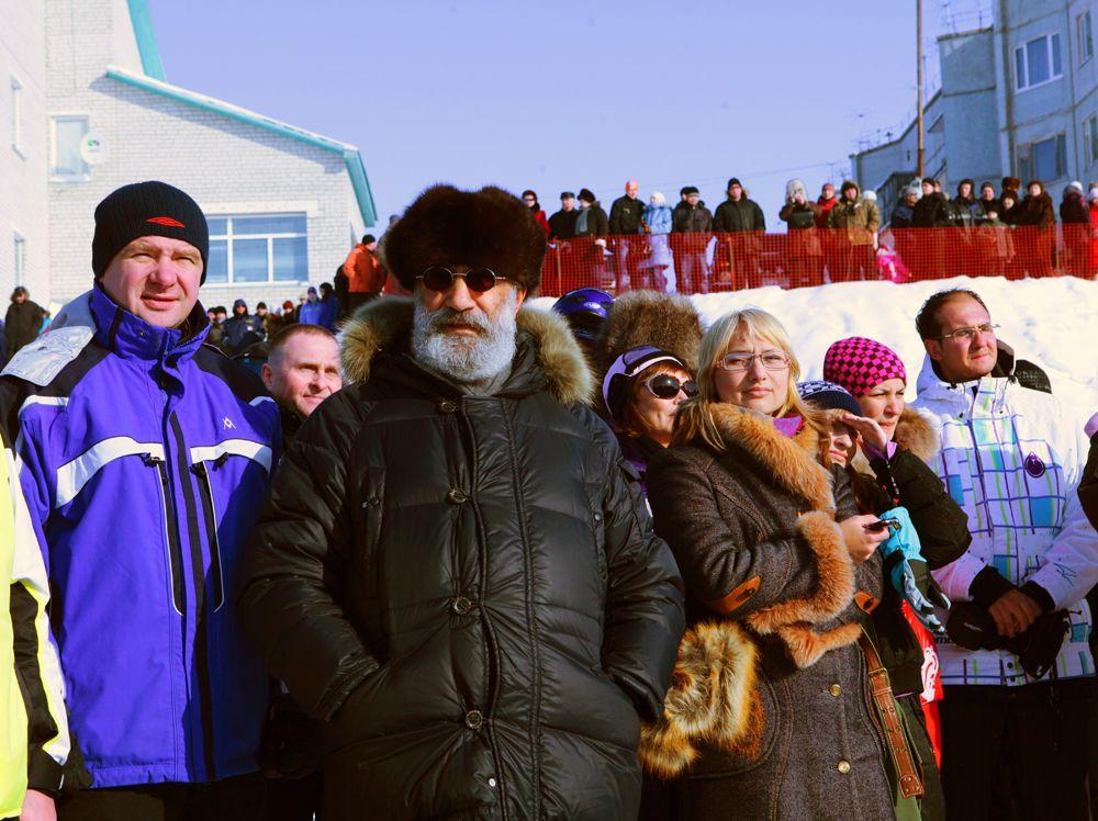 Спецпредставитель президента РФ по международному сотрудничеству в Арктике и Антарктике, депутат Госдумы Артур Чилингаров на Всероссийских соревнованиях на снегоходах «Буран», 2010 год.