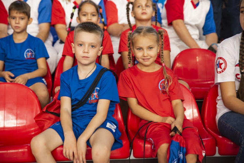Губернатор НСО, открывая соревнования, сказал: учитывая популярность самбо среди детей и молодежи, правительство Новосибирской области и дальше будет оказывать всяческую поддержку развитию этого исконно русского вида спорта.