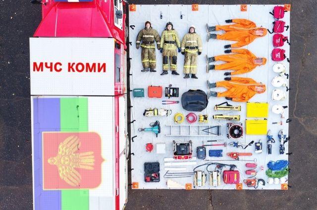 Что внутри пожарной машины?
