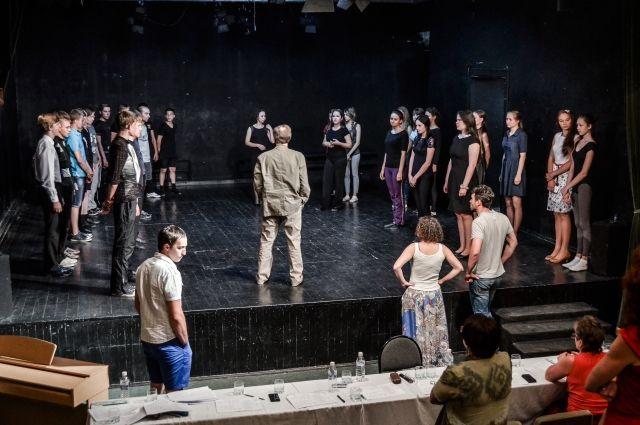 Сегодня молодым актёрам нужно искать не вывеску учебного заведения, а мастера, у которого есть что перенять.