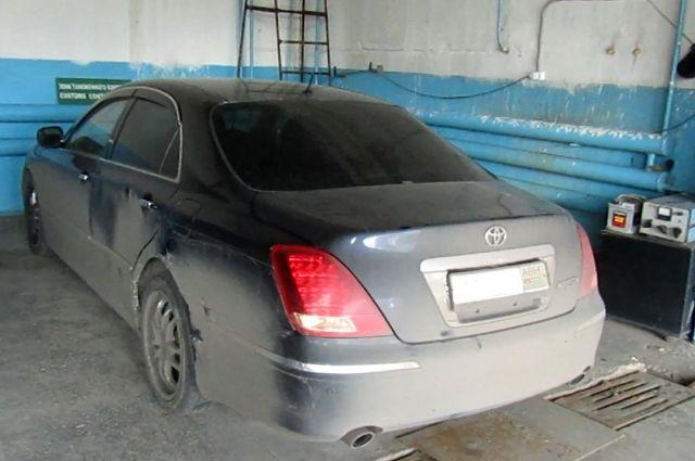 В зоне деятельности Тюменской таможни задержали автомобиль Toyota