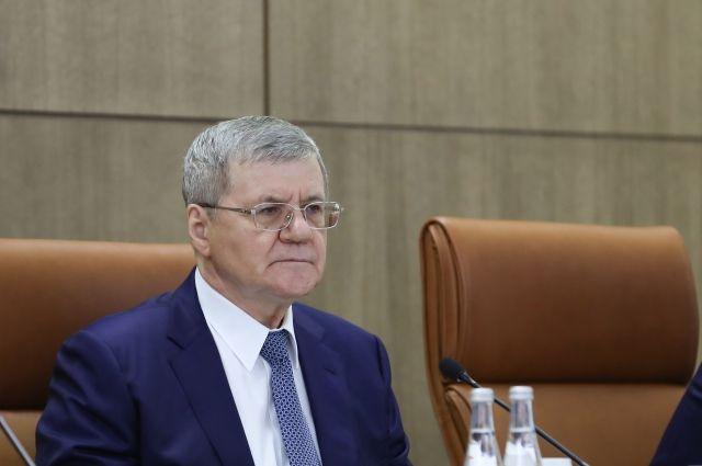 Юрий Чайка поручил органам прокуратуры тщательнее следить за местными властями.