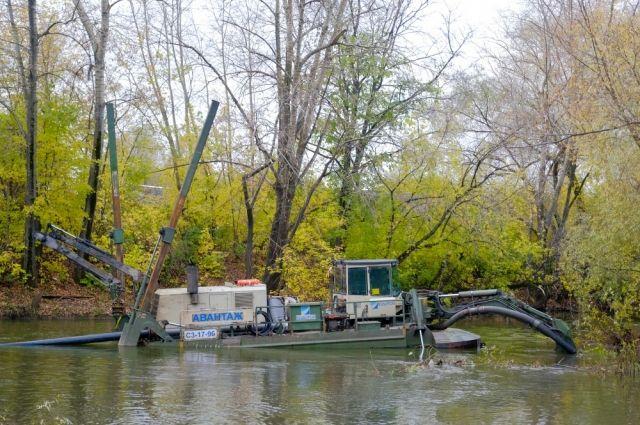 В Удмуртии очищают русло реки Иж