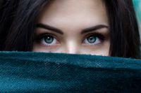 Девушка получила травму глаза