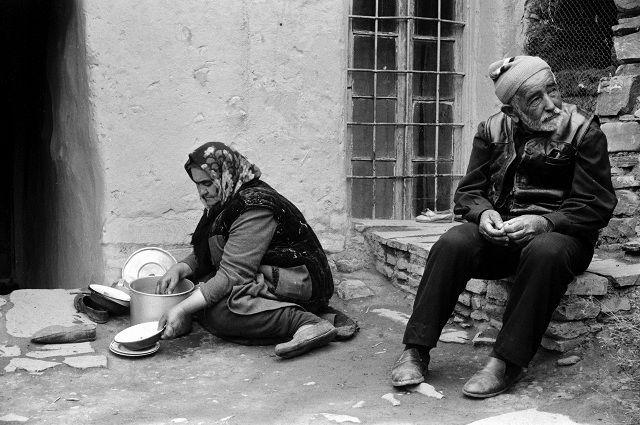 В 1990-е удар по традициям уважения к старшим нанесла ваххабитская идеология