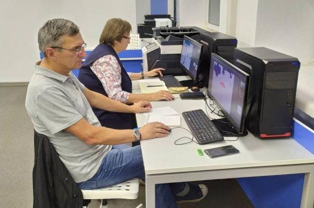 Учащиеся могут освоить веб-дизайн и начать разрабатывать сайты.