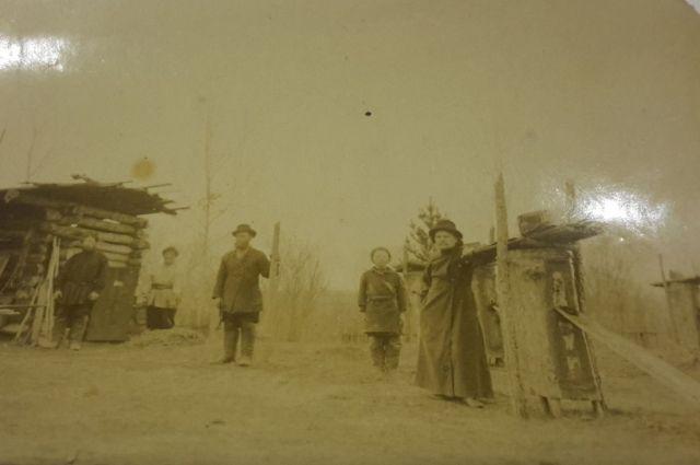 Священники отправлялись на службу в далекие деревни.