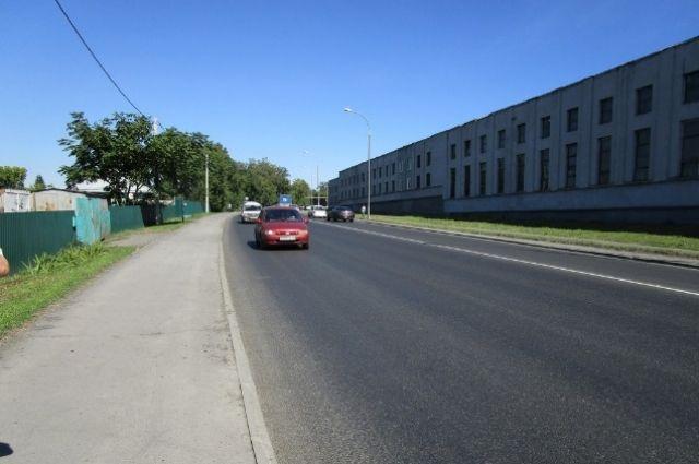 Работы велись на участке от 2-го переулка Авроры до проспекта Шахтёров.