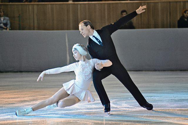 Людмила Белоусова и Олег Протопопов, 1971г.