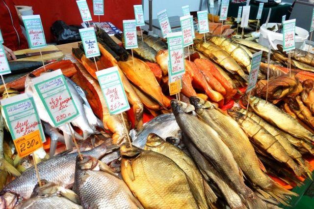 Власти обещают, что цены на красную рыбу в магазинах Колымы расти не будут.