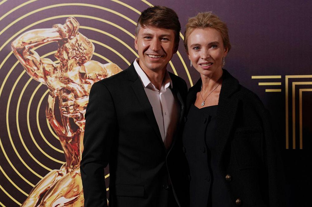Гости церемонии: олимпийский чемпион по фигурному катанию Алексей Ягудин и фигуристка Татьяна Тотьмянина.
