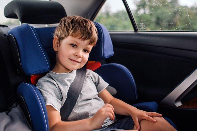 С какого возраста можно без детского автокресла