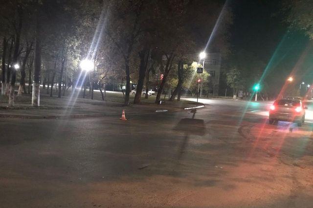 В Оренбурге неизвестный водитель сбил пешехода и скрылся с места ДТП.