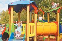 Детские площадки преображаются по программе «Мой район».