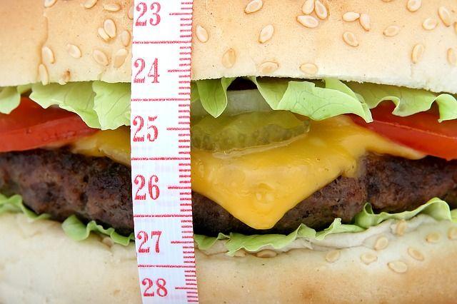Сотрудник «Бургер Кинга» ответит в суде за махинации с чеками