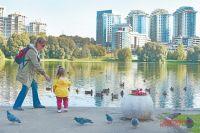 Парк у Мосфильмовского пруда после благоустройства просто не узнать