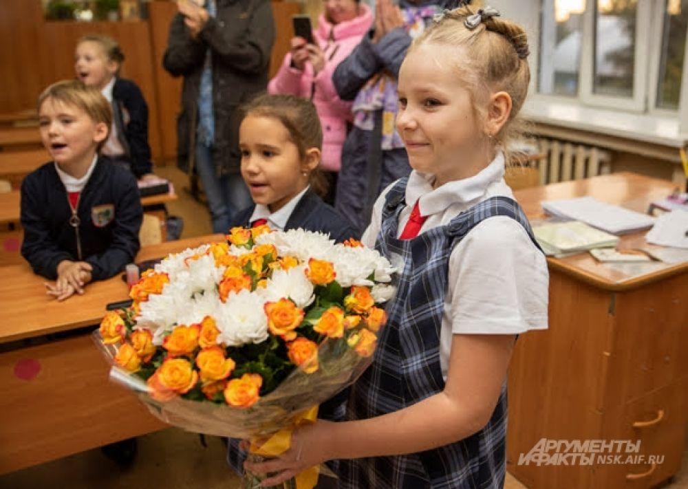 В этот день самые пышные букеты только педагогам!