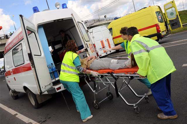 Пять человек травмированы в массовой аварии.
