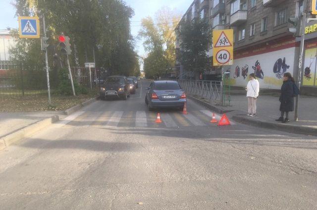 На пересечении с улицей Космической и проспекта Карла Маркса у дома №8 по улице Космическая совершил наезд на пешехода в зоне пешеходного перехода.