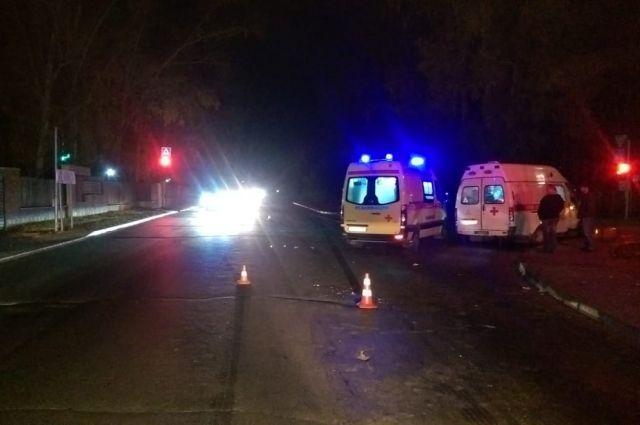 Водитель сбил мужчину на шоссе под Новосибирском и скрылся с места ДТП