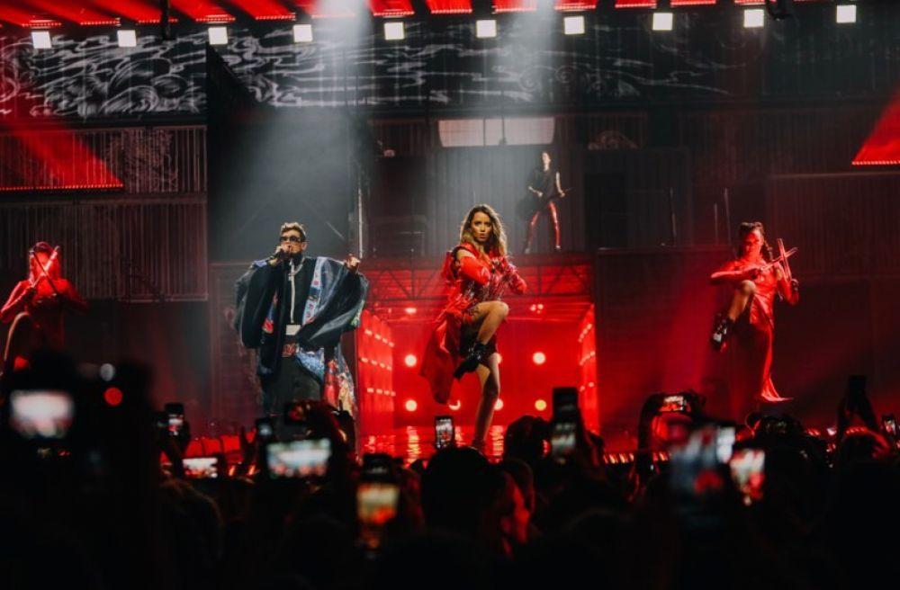Наверное, самым ярким событием уик-энда стал концерт группы «Время и Стекло». Шоу с нетерпением ждали тысячи фанатов Нади Дорофеевой и Позитива.