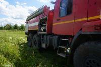 В Оренбурге на ул.Караваева Роща сгорело 200 кв.м. кровли у неэксплуатируемого здания.