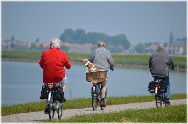 От старости не убежишь, зато размеренной ходьбой можно уйти как можно дальше.