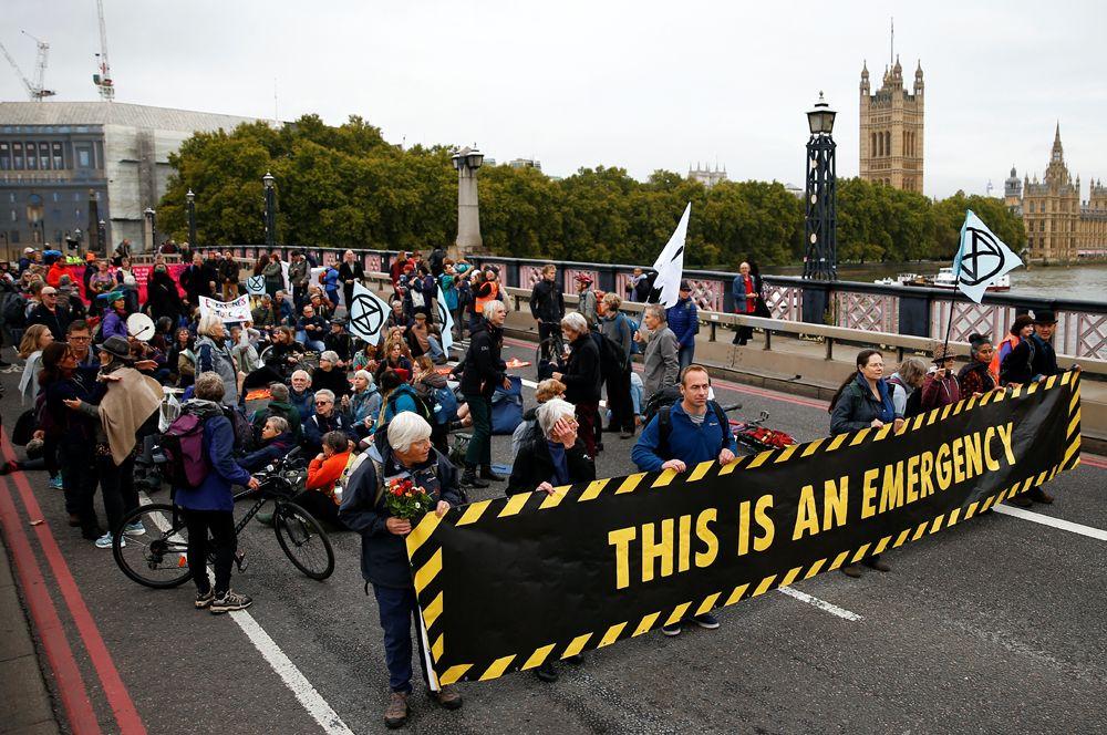 Участники акции протеста в Лондоне.