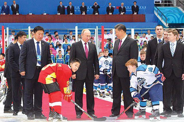 В июне 2018 года туймазинская хоккейная команда «Девон» побывала в китайском Тяньцзине во время визита президента России в КНР на саммит ШОС.