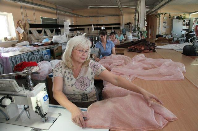«Оборудование было самым современным - рассказывает одна из участниц проекта. - А на следующий день после экзамена я себе подарок сделала – профессиональную швейную машину купила!»