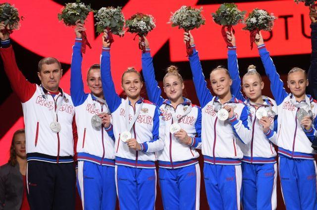 Российские гимнастки завоевали серебро в командном многоборье на ЧМ