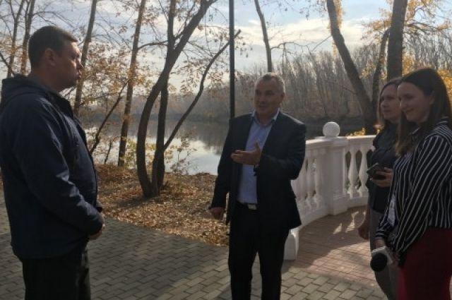 В Орске продолжается реконструкция парка Строителей.