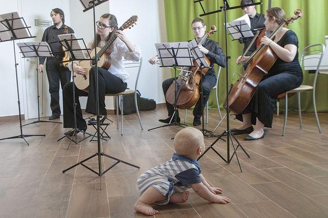 В классической музыке идеально всё, и маленьким детям вовсе не сложно её воспринимать.