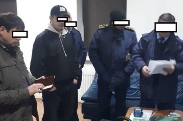 На Львовской таможне проводят более 40 обысков: причина