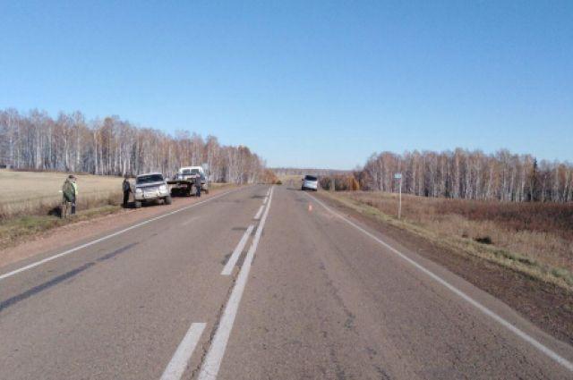 Микроавтобус вез пассажиров из Красноярска в Кодинск.