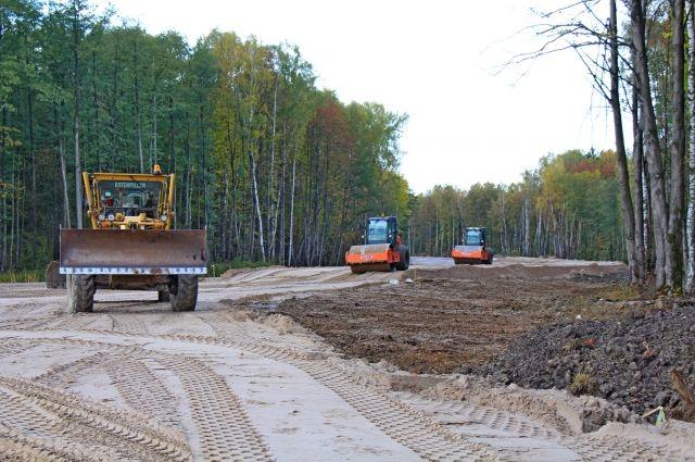 Начинается укладка асфальта на части новой дороги в Чкаловск