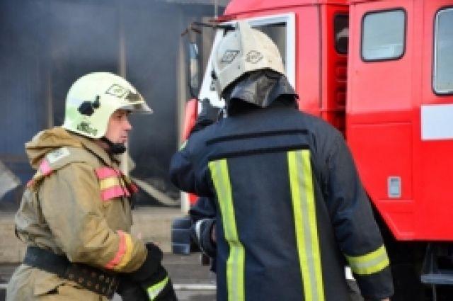 На тушение пожара привлечены 39 человек, 13 единиц техники.