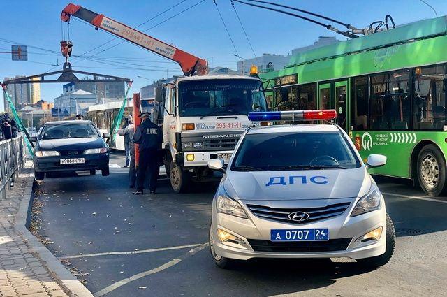 Автомобиль нарушителя эвакуировали на штрафстоянку